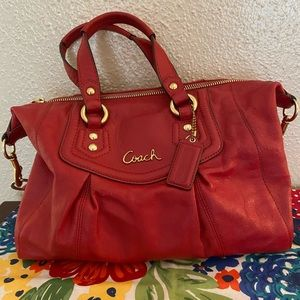Red coach purse ❤️